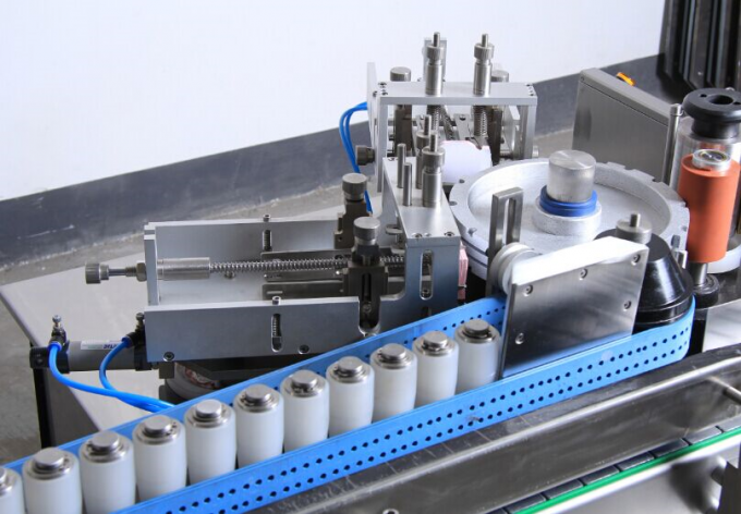 High Speed Glue Labeling Machine For Banana Wine Filling Machine System